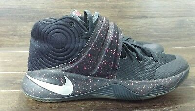 online store e32a0 569cf NIKE KYRIE 2 Black Red Speckle 819583-006 Men's Size 10 -- SAMPLE