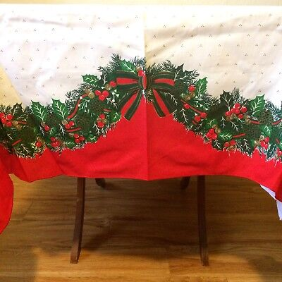 Vintage Christmas Tablecloth Card Table Size Wreath Pinecones Berries Holly EXC