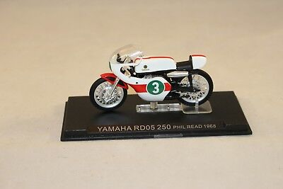 1//24 MOTO GP N° 36 SERIE 1 YAMAHA RD05 250 1968 PHIL READ #3