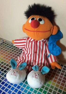 1996 Sesame Street Sing And Snore Bedtime ERNIE Plush Toy Tyco