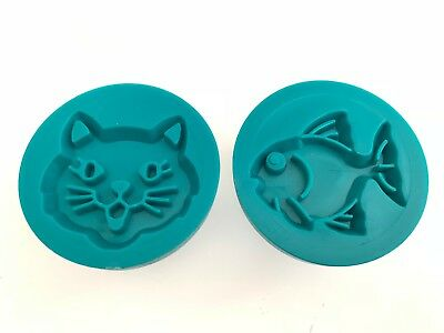 Lot of 2 Wilton Cookie Stamps - Cat & Fish