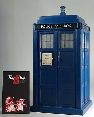 """Doctor Dr Who. 8"""" Tardis ~ Character Options ~ Working Light and Sound"""