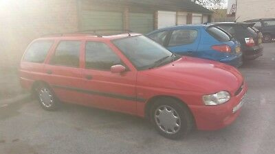 Ford Escort 1.6 Lx Estate , Low Miles (55298) 2 Former Keepers , 6 Months Mot