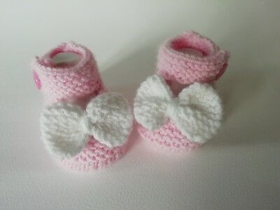 baby girls hand knitted Mary Jane Shoes with bows. brand new 0-3 month's.