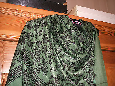 askdolly VINTAGE SCARF OLD LARGE IMPRESSIVE GREEN/BLCK STUNNING PAISLEY CLASSIC