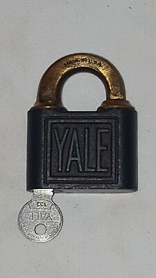 ANTIQUE Vintage YALE & TOWNE Padlock w/ A Yale Key * BRASS SHACKLE * Made In USA