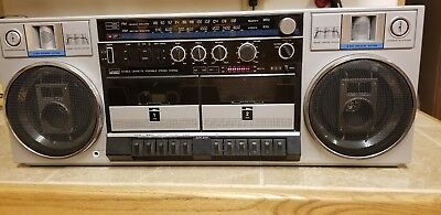 Vintage Retro MontgomeryWard AM/FM Dual Casette with ceramic tweeter/woofer
