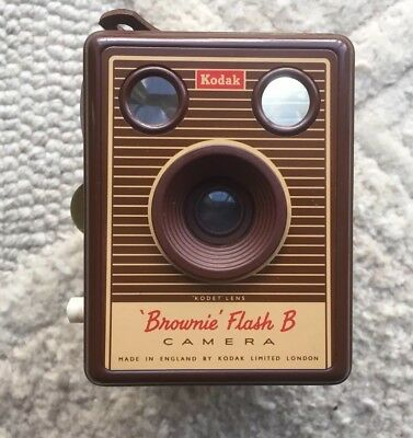 Kodak Brownie Flash B 620 Film Box Camera