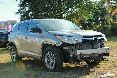 2016 Toyota Highlander LE AWD 4dr SUV 2016 Toyota Highlander LE RUNS AND DRIVES CLEAN TITLE