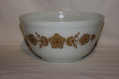 VTG Pyrex # 402 Butterfly Gold 1 1/2 ~ 1.5 qt Quart Mixing Nesting Bowl White