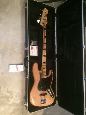MINT Fender Squier Modified Jazz Bass 70's w/New Case and Gigbag
