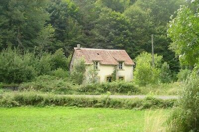 Small Detached 2 Bed Cottage South-Central France