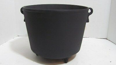 Small Antique Cast Iron Bean Pot Kettle..found In Old Estate