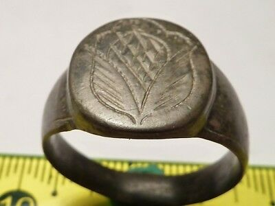 1349Ancient Roman bronze ring with decoration 21 mm.