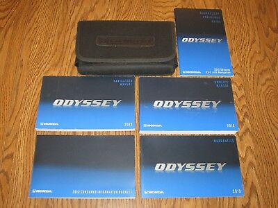 2013 HONDA ODYSSEY OWNERS MANUAL w/supplemental books, and a soft case