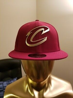 timeless design 7a285 565c0 New Era Burgundy Cleveland Cavaliers Gold Metal Badge Logo 9Fifty Snapback  Hat