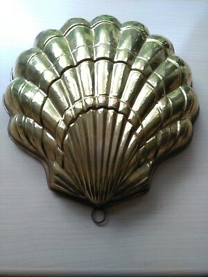 Vintage Shell shaped copper mould tin lined from Italy 32x32x7cm deep