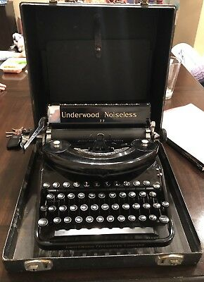 BEAUTIFUL Vintage Underwood Noiseless 77 Typewriter in Case Good Condition!