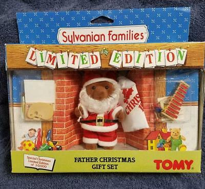 Sylvanian Families Calico Critters Father Christmas Gift Set Santa Claus TOMY