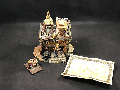 Boyds Bears Boyds Town Volunteer Firestation 19007 (2000) with Box