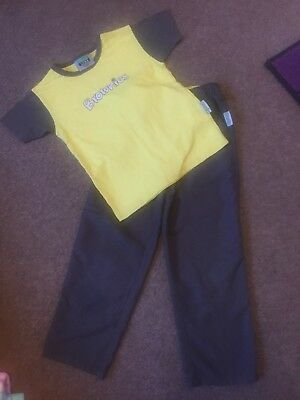 Girls Brownie Trousers And T Shirt Approx Age 7-8