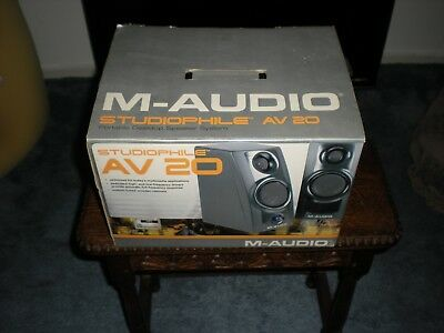 M-audio av20 powered monitor speakers. In original box, hardly used!