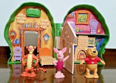 Disney Winnie The Pooh Mr. Sanderz House  and 3 figures