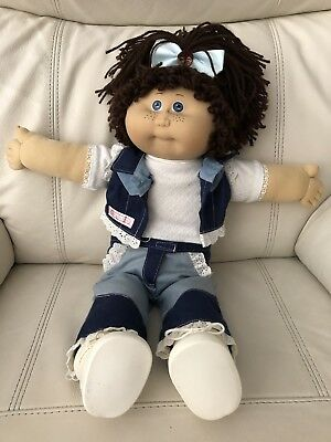 JESMAR (Spain) Cabbage Patch Girl With Blue Eyes & Freckles - CPK Outfit & Shoes
