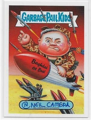 Garbage Pail Kids WE HATE THE 90'S ARTIST AUTOGRAPH NEIL CAMERA 21/50 GPK card