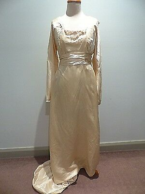 ANTIQUE CIRCA 1800s WEDDING DRESS WITH TRAIN