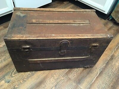 Antique Wooden/Metal Trunk Chest.Steamer Blanket Treasure Coffee Table