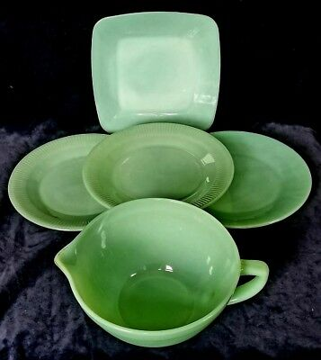 """Mix Lot Fire King Jadeite Batter Pitcher Square Plate & 3 Jane Ray 9"""" Plates"""