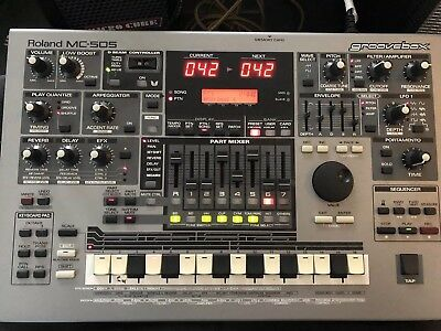 ROLAND MC 505 Groove Box Synthesizer mit TR 808 / 909 & TB 303 Sounds