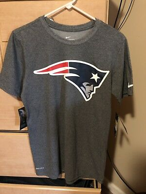 cc028ac1 NWT New England Patriots Nike Essential Logo Dri Fit T-Shirt Men's Small  Gray