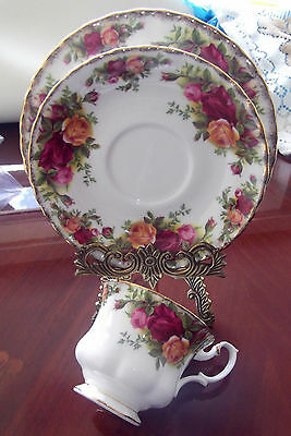 Stunning Vintage country rose by Royal Albert trio cup, saucer, tea plate