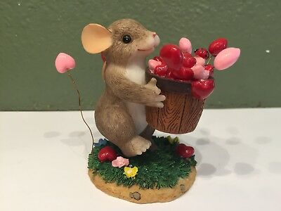 Charming Tails By Dean Griff - Valentine's Day - I Love You A Bushel