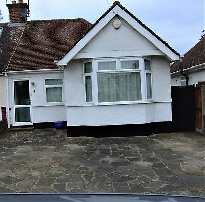 2 bedroom Bungalow for sale- Watford Herts
