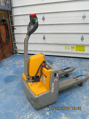 EME30 Capacity 3,000lbs. Electric Pallet Truck with Electric Lift