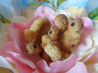 Rare United Design Flora & Fauna Boxed Squirrels in Flower ~ FREE SHIPPING