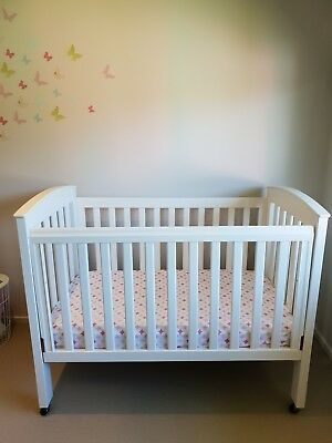 White Boori Country Collection Cot & Mattress