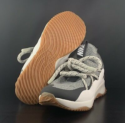 09c3ae7d7f01 Nike Wmns City Loop Summit White Anthracite Cool Grey AA1097-100 Women s  Size 8