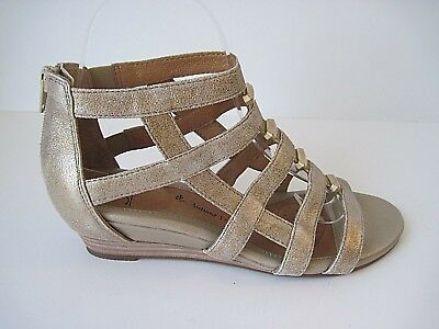 99f65b93f393 Sofft Womens RIO Gold Leather Open Toe Casual Strappy Sandals Size 6.5M NEW