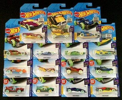 Hot Wheels 2018 HW GLOW WHEELS Series Set of 15 Factory Seal Special Features