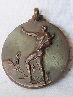Vintage 1959 Greece Greek Sports Medal – ΑΘΛΗΤΙΚΗ ΗΧΩ Newspaper