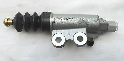 NEW GENUINE HONDA CLUTCH SLAVE CYLINDER - 46930SAA013 (Our Ref: HB19)