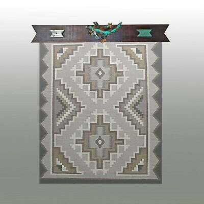 """Quilt Hangers,""""Lone Gecko"""",Will hold 23.5 inch Quilt or Rug.One of a Kind!"""
