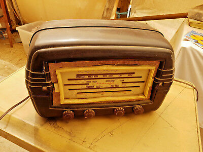 Radiola VALVE RADIO  in Good working order  BLAST from the PAST