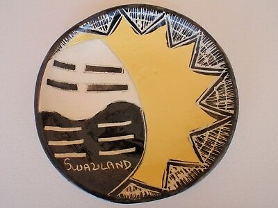 VINTAGE ? SWAZILAND ( AFRICA / AFRICAN  ) POTTERY PLATE - 19cm diameter