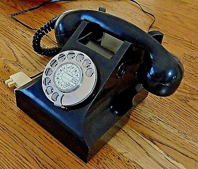Vintage Black  Bakelite 400 AT PMG Telephone / Phone