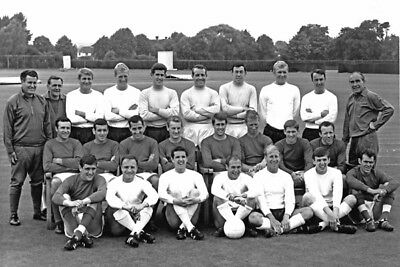 *stunning Photo* England 1966 World Cup Squad (Eng-401)